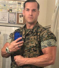 image Army Men, Military Men, Us Marines, Men In Uniform, Good Looking Men, Muscle Men, Man Crush, Future Husband, How To Look Better