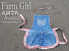 Carissa from Creative Green Living shows how you can turn an old pair of jeans into a sturdy (and cute) apron. Her Farm Girl Apron uses parts and pieces of a pair of jeans, plus some pretty fabric… Sewing Hacks, Sewing Tutorials, Sewing Crafts, Jean Apron, Apron Tutorial, Cute Aprons, Denim Crafts, Sewing Aprons, Recycled Denim