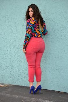 Love these jeans and the explosion of colour in general, plus the two tone hair :)