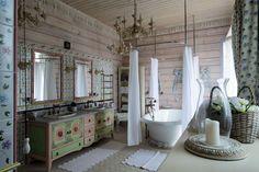 Log house - Decorative bathroom