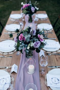 39 Lavender Wedding Decor Ideas You'll Love Lavender Wedding Decorations, Lavender Wedding Theme, Wedding Table Centerpieces, Wedding Flower Arrangements, Floral Wedding, Wedding Flowers, Dream Wedding, Centerpiece Ideas, Purple Wedding Tables