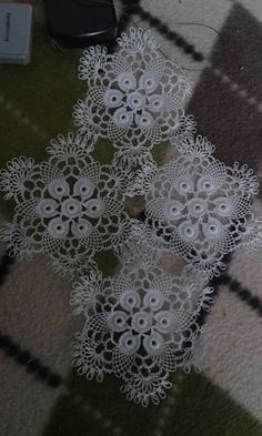 This Pin was discovered by Lal Crochet Video, Crochet Art, Filet Crochet, Crochet Motif, Crochet Doilies, Easy Crochet, Crochet Stitches, Doily Patterns, Crochet Blanket Patterns