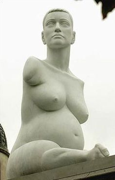 'Alison Lapper Pregnant' by British artist Marc Quinn Marble. via history of art Derek Gores, Marc Quinn, Equality And Diversity, Textile Sculpture, Tate Gallery, Social Art, Maternity Pictures, Pregnancy Pictures, London