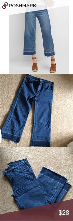 CLOSET CLOSING UO BDG Crop Wide Leg Jeans Beautiful cropped wide leg jeans with a released hem. BDG Urban Outfitters high quality and great fit. Small white spot, not noticeable, but shown in photo 3. Closet closing very soon, things are going VERY fast so grab these if you want them (: Urban Outfitters Jeans Flare & Wide Leg