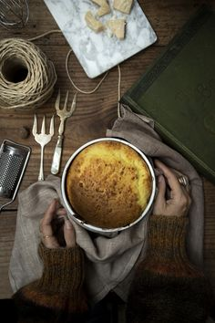 Soufflé facile al formaggio Nigella, Latte, Kitchen Appliances, Cooking, Fashion, Diy Kitchen Appliances, Home Appliances, Moda, La Mode