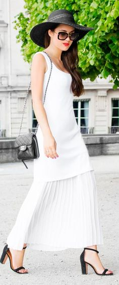 Sarah Styles Seatle Black And White Paris Downtown Outfit