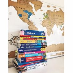 That's a lot of travel inspiration in those books! Who's Scratched them all off their Scratch Map? Photo credit: @emmskibaby #ScratchMap #travel #travelinspiration #travellife #travelpics #travelplans #traveladdict #travelawesome #instatravel #instapics #wanderlust #letsgo #takemethere #letsgosomewhere #adventure #luckiesoflondon