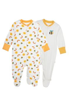 This handy 2 pack of babygrows are a must have this season! Made from scrumptious organic cotton these babygrows are fully poppered for easy changing and with clever integrated fold back scratch mitts and cosy feet to keep your baby warm and cosy.