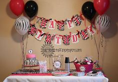 zebra party - There are other zebra print ckes and desserts on foods First Birthday Parties, Girl Birthday, First Birthdays, Birthday Ideas, Happy Birthday, 11th Birthday, Birthday Bash, Birthday Cakes, Zebra Print Party