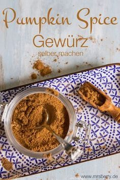 Pumpkin Spice Gewürz selber machen - und drei tolle Rezepte damit Pumpkin Spice spice yourself. Today I'll show you how to get home the American Herbs Classic - Pumpkin Spice - and make the Pumpki Pumpkin Recipes, Fall Recipes, Great Recipes, Christmas Recipes, Yummy Recipes, Pumpkin Spice Muffins, Pumpkin Spice Latte, Pumpkin Puree, Dessert Halloween