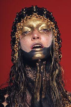Photographer: Livia Alcalde / Hair: Riccardo Lupini / Mua: Einat Dan / Model: Michelle