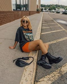 Best Picture For yellow biker shorts outfit For Your Taste You are looking for something, and it is Grunge Outfits, Neue Outfits, Edgy Outfits, Cute Casual Outfits, Retro Outfits, Short Outfits, Summer Outfits, Girl Outfits, Fashion Outfits