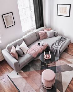 Wir sind ganz verliebt in diesen Cozy-Corner ✨ Ihr auch? Dann entdeckt die Pro… We are completely in love with this Cozy Corner ✨ Yours too? Then discover the products now in our shop by tapping the picture. Living Room Decor Cozy, Rooms Home Decor, Living Room Grey, Home Living Room, Living Room Designs, Blush Pink Living Room, Living Room Ideas Rose Gold, Living Room Couches, Cozy Living