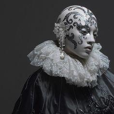 Makeup Artist Toni Malt behind the scenes: Makeup Artist Watch: Kabuki Face Photography, Fashion Photography, Makeup Carnaval, Porcelain Doll Makeup, Bald Cap, 3d Art, Queen Costume, Moon Costume, Bald Heads