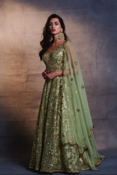 Looking for Latest Mirror Work Lehengas to wear to your pre-wedding function? Check out 5 designers who have mirror work lehenga collection with prices Latest Bridal Lehenga, Designer Bridal Lehenga, Indian Bridal Lehenga, Bridal Sarees, Indian Wedding Outfits, Bridal Outfits, Indian Outfits, Indian Weddings, Indian Attire