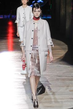 Marc Jacobs Spring 2012 Ready-to-Wear Fashion Show - Magda Laguinge