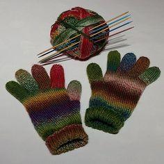 Toll geworden die Handschuhe. Danke addiFriend Eva für das Foto! Great your gloves, thank you for your picture dear addifriend Eva! @e.baj Reshared:  Finished✋ #homemade #handmade #knitting #craft #yarn #hobby #hipster #chillout #gift #present #colorful #stricken #winter #relax #addi #addiColibri #addineedles #addifriends #schoppel #schoppelwolle #nikon #nikond3200 #glove #gloves #rukavice #ostrava #madeingermany #pleteni #glovelove #knitted
