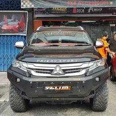Salim Jaya Conceptz OfficialさんはInstagramを利用しています:「BullBar --OFX-Offroad X Racewolf + Fog Lamp LED--Original--Made In Thailand--On…」 Montero Sport, Mitsubishi Pajero Sport, Toyota Fj Cruiser, Jeeps, Concept Cars, Cars And Motorcycles, Offroad, Thailand, Garage
