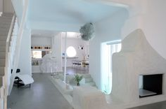 Dreamy whitewashed house in Paros