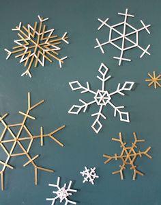 activité manuelle Noël flocons neige bâtonnets bois #Noël #christmasideas #kids #DIY