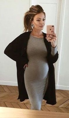 35 Comfy Maternity Outfit Ideas for Winter – Schwanger Kleidung Casual Maternity Outfits, Maternity Work Clothes, Stylish Maternity, Maternity Wear, Maternity Dresses, Winter Maternity Fashion, Maternity Looks, Maternity Pictures, Winter Fashion