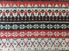 Barbara Pickel - bound rosepath on the loom at Vavstuga Weaving School.