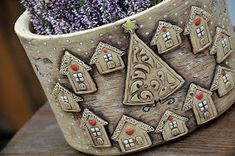 """Všechny vás moc zdravím s poslední keramikou v tomto roce. Celou tuto kolekci jsem nazvala """"keramika s příběhem"""". Tak nějak jsem si ... Pottery Houses, Biscuit, Planter Pots, Drawings, Ceramics Ideas, Clay Ideas, Art Ideas, Numbers, Castle"""