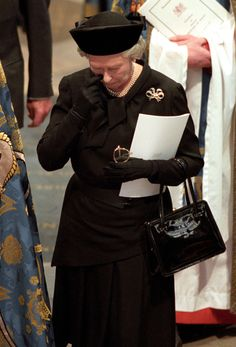 Photos of Princess Diana's funeral | The Queen attends the sombre funeral of the late Princess Diana at ...