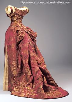 Another knock-out from the House of Worth. Charles Fredrick Worth, French, born in England Evening Dress (Bodice and Skirt) c. 1880s Fashion, Edwardian Fashion, Vintage Fashion, Vintage Gowns, Mode Vintage, Vintage Outfits, Vintage Clothing, Vintage Hats, Style Édouardien