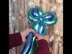 How the make a mermaid tail using four chrome in blue and green. Balloon Flowers, Balloon Bouquet, Balloon Arch, Balloon Ideas, Mermaid Birthday Decorations, Balloon Decorations Party, Baby Shower Balloons, Birthday Balloons, Mermaid Balloons