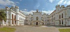 Castle Oroszvár dove Stefanie ed Elmer vissero Beautiful Castles, Palaces, Homeland, Wonderful Places, Hungary, Budapest, Mansions, House Styles, Medieval