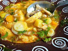 Polievka s hlivou • recept • bonvivani.sk Polish Recipes, Russian Recipes, Thai Red Curry, Soup, Dinner, Ethnic Recipes, Dining, Polish Food Recipes, Food Dinners