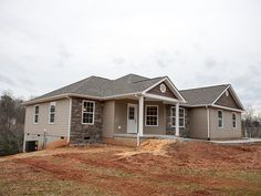 SPRINGHAVEN - 3 bedroom / 2 bath, 2-car garage, generous master suite with walk-in closets, separate shower and garden tub, large eat-in kitchen with island and family room all in 1,500 square feet.. #Sedgewick_Homes #NC_homebuilders #NC_custom_builder