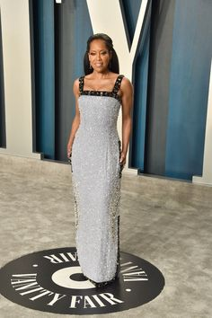 Oscars After-Party: Regina King in Prada Celebrity Red Carpet, Celebrity Style, Kanye West Photo, Regina King, Prada Dress, Haute Couture Gowns, Beautiful Black Girl, Evening Attire, Glamorous Dresses
