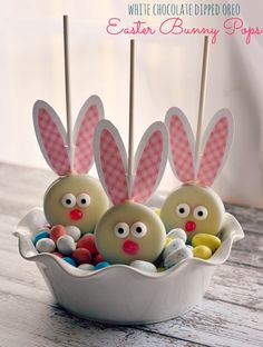 White Chocolate Dipped Oreo Easter Bunny Pops with Free Printable