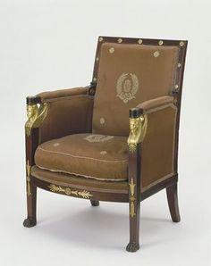 París, Francia - 1805 Jacob-Desmalter (fabricante) en Caoba, con monturas perseguidas y doradas, asientos de madera de haya y tapicería moderna