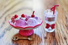 Sailor Moon Crystal Cafe Sweets - Chibiusa a la Mode Sailor Moon Cafe, Sailor Moon Party, Moon Food, Bento Recipes, Moon Pictures, Rement, Sailor Moon Crystal, Ice Cream, Sweets
