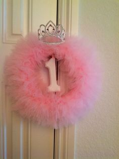Tutu wreath. DIY birthday princess wreath for princess party. by alba