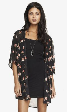FLORAL PRINT LACE INSET KIMONO | Express  Have it....love it!