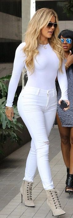 Khloe out in West Ho