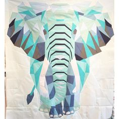 Gorgeous elephant quilt by Dorthe Niemann of Lalala Patchwork.