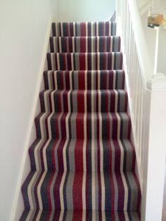 Luxury Carpet Runners For Stairs Key: 5526037729 White Staircase, Carpet Staircase, Hallway Carpet, Hallway Flooring, Bedroom Carpet, Striped Carpet Stairs, Striped Carpets, Alternative Flooring, Staircase Makeover