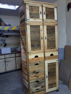 Oversize Pallet #Cabinet - 25 Unique DIY Wood Pallet Projects | 99 Pallets
