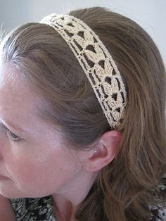 Free pattern.  Ravelry: Summer Wheat Lace Headband pattern by Lara Sue