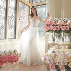 Find More Wedding Dresses Information about White Chiffon Summer Beach Wedding Dresses V Neck Beaded Lace Wedding Bridal Gowns Custom made Vestidos de noiva,High Quality lace wedding gown,China lace legging Suppliers, Cheap lace ball gown from xlbutterfly on Aliexpress.com