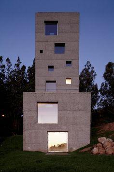 'Cubo mágico' abriga casa e escritório