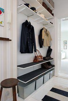 House entrance storage entryway ideas Ideas for 2019 Easy Home Decor, Home Decor Trends, Ikea Algot, Hallway Inspiration, Small Hallways, House Entrance, Entrance Halls, Entryway Decor, Entryway Ideas