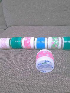 子どもたちのアイディア次第で、電車にも音の鳴るおもちゃにも、ご馳走にも見立てて遊べるおもちゃ。 たった3つの材料ですぐに作れる手軽さがうれしい♪