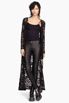 Wear a lace cardigan today! See how a lace cardigan can give your added appeal right here. Look Kimono, Black Lace Kimono, Black Lace Jacket, Black Kimono Outfit, Lace Cardigan Outfit, Long Cardigan, Cardigan Kimono, Kimono Jacket, Cool Outfits