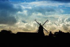 Nieuw in mijn Werk aan de Muur shop: Hollandse landschap met molen